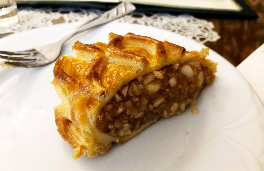 Tarta strudel de Manzana en pasteleria de Budapest